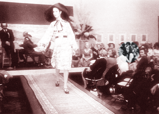 Photo of a fashion runway show at the Santa Barbara Museum taken on November 15, 1971, the last night of Edie Sedgwick's life.